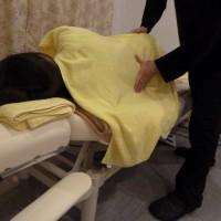 妊婦さんへの腰背部の整体マッサージ